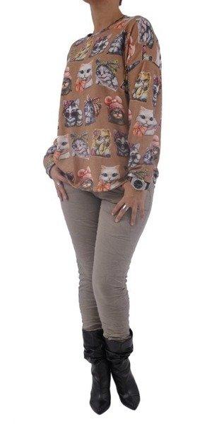 Camelowy sweter w kotki