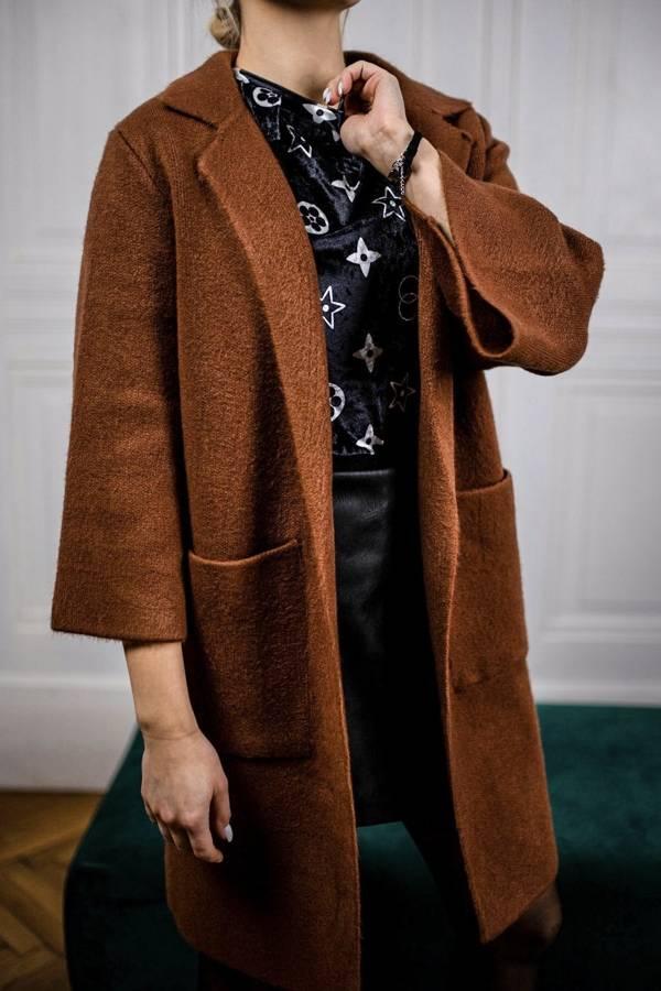 Cieplutki sweter płaszcz w kolorze rudym