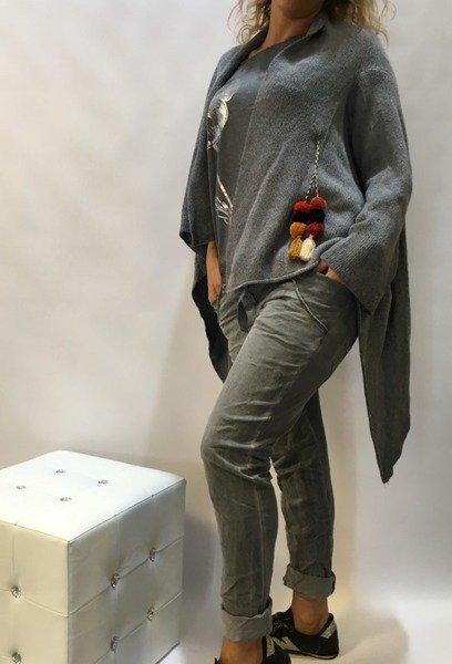 Spodnie dresowe ze srebrną lamówka
