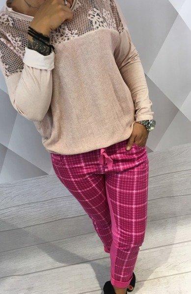 Spodnie dresowe różowe w kratę