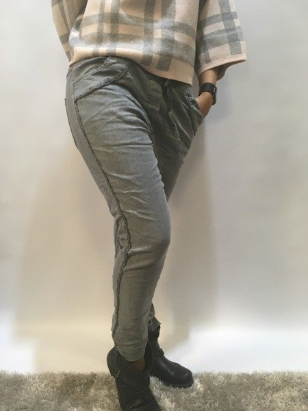 Spodnie dresowe z lamówką
