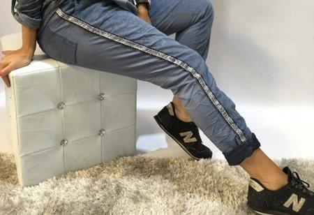 Spodnie dresowe ze sztruksu z lampasem