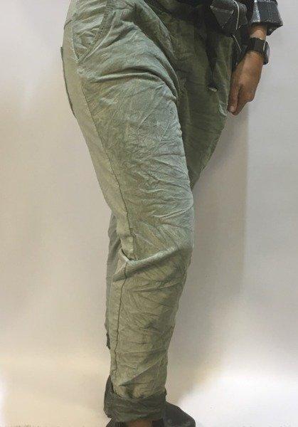 Spodnie oliwkowe dresowe