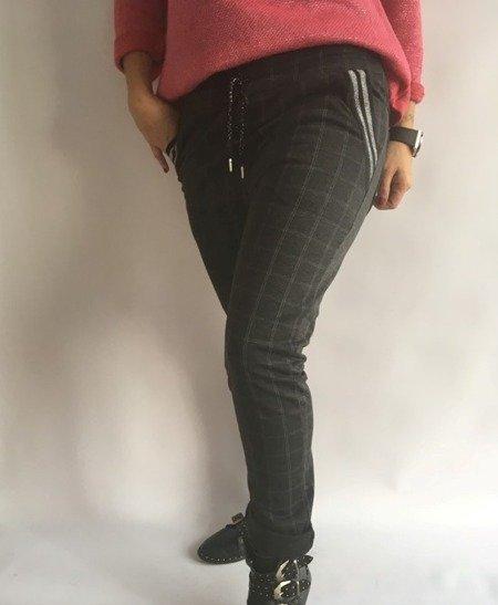 Spodnie w kratę przy kieszeniach lampas czarne