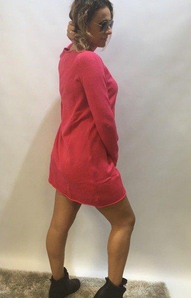 Sukienka różowa z guzikami