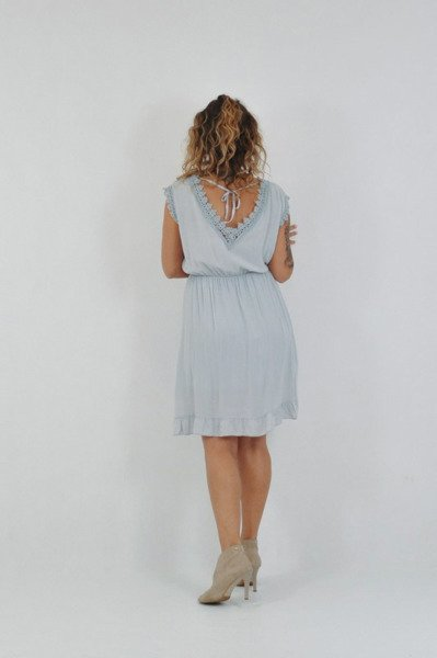 Sukienka szara dekolt v