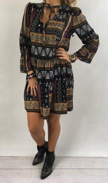 Sukienka we wzór czarna wiązana
