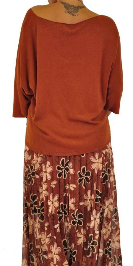 Sweter camelowy oversizowy dekolt w szpic