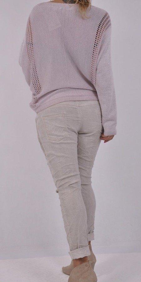 Sweter różowy w napisy