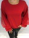 Bluzka czerwona z koronkowym rękawem
